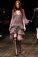 Video: Julien Macdonald Autumn Winter 2011 collection